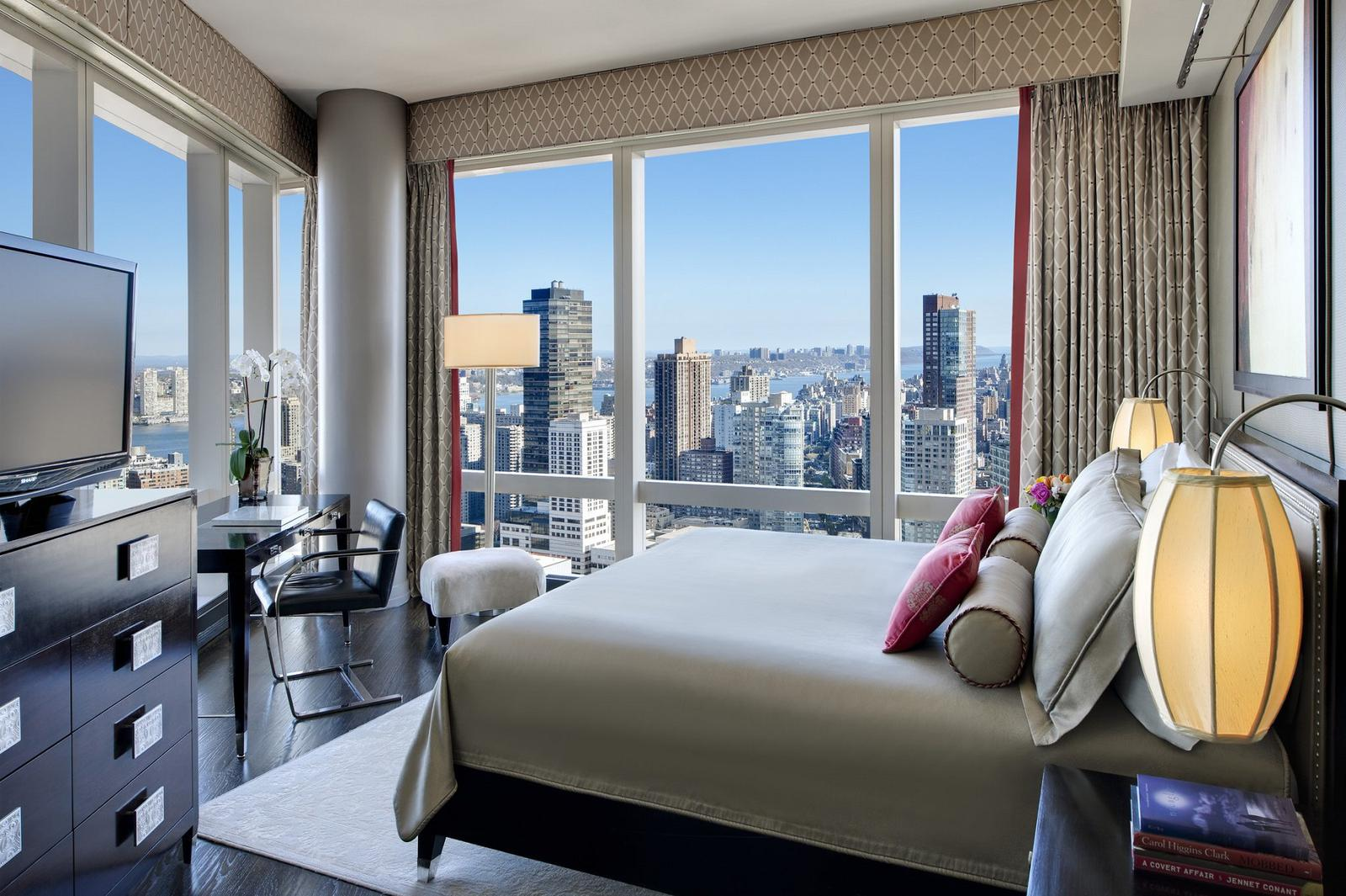 New York Hotels That Offer The Best View Of The City